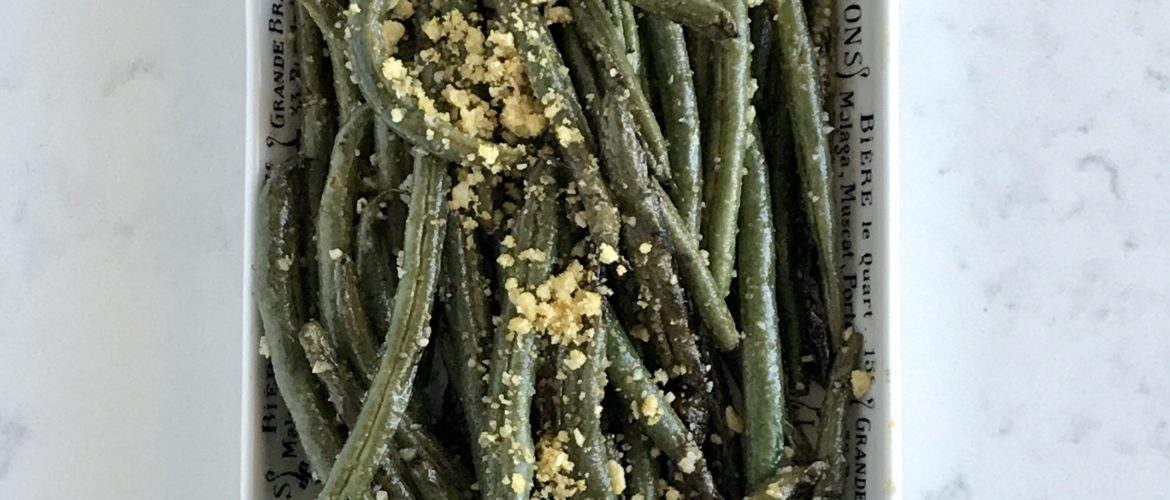 Green beans grilled with black garlic oil
