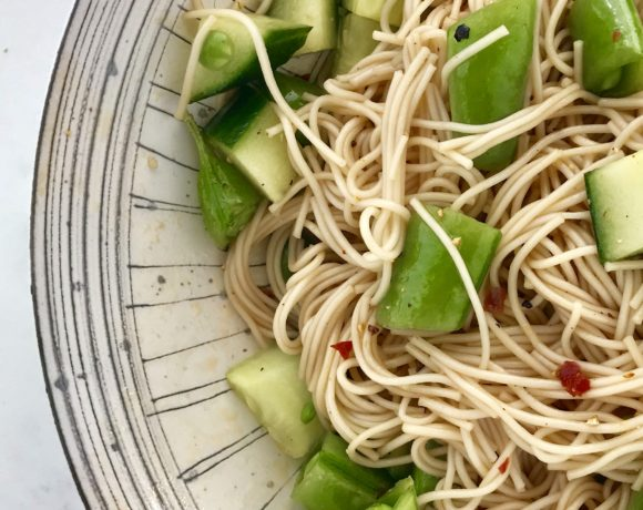 Sesame somen salad is an vegan dinner for kids